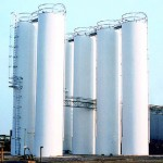 Smooth-wall welded storage silos